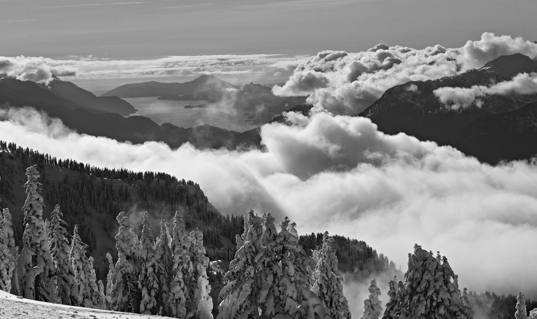Howe_sound_Barrys_peak_Brohm_nov_25_2012
